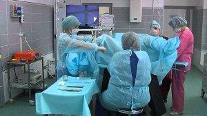 Проведение операции по удалению кисты