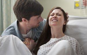Чем опасна киста при родах