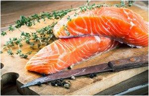 Морская рыба и тушенные овощи